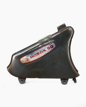 Benzinetank Honda C50 (nr. 74)